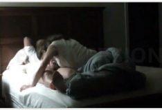 Novinha com cara de anjo se exibindo na cam