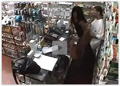 Novinha dando a buceta pro atendente da farmácia