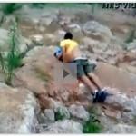Caiu na net pai pegando a filha novinha fudendo no mato
