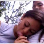 Novinha linda pagando boquete no parque publico