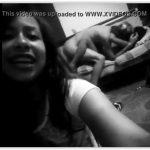 Transmitiu a irmã novinha fudendo no facebook ao vivo com namorado