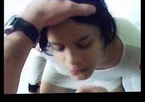 Vídeo amador gozando na boquinha da novinha linda