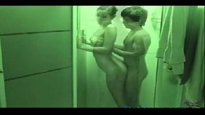 Comi a novinha no banheiro da empresa