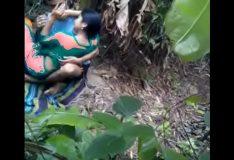 Novinha fugiu de casa pra fuder no mato