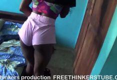 Negra novinha seduzindo padastro em casa